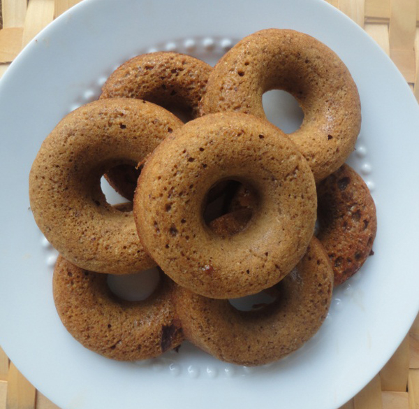 Healthy Recipe: Baked Gingerbread Doughnuts | CentralSpeaks.com